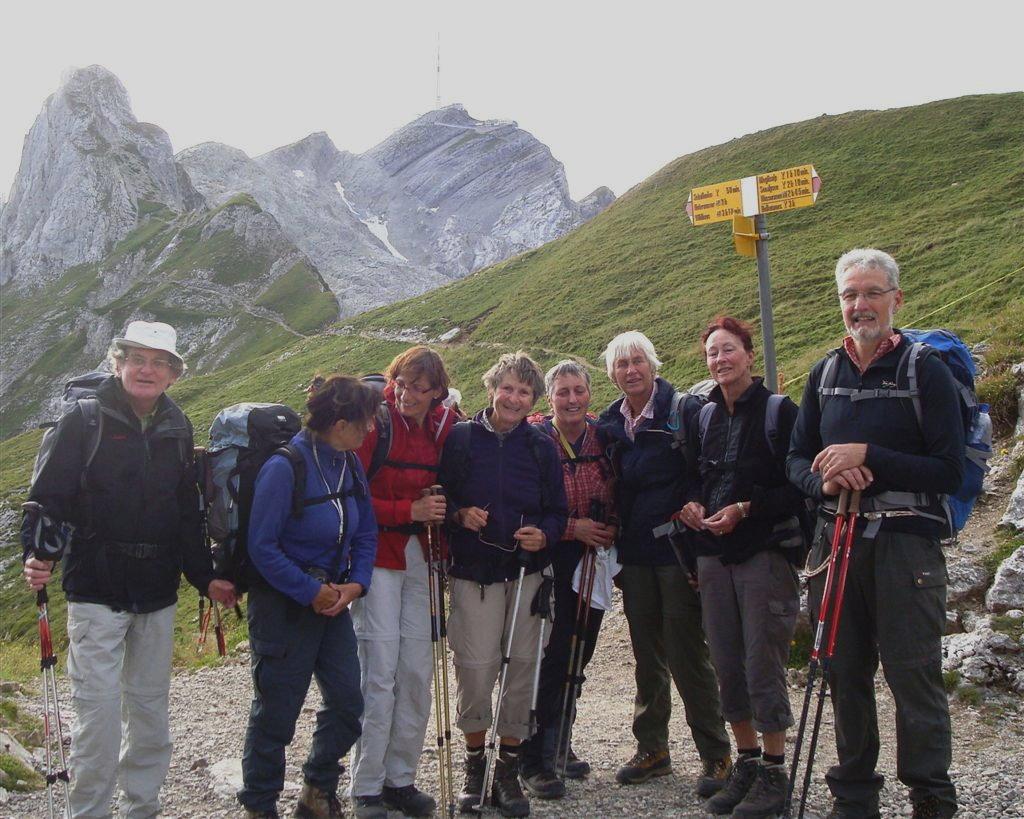 dscn5950a-gruppe-auf-rotsteinpass