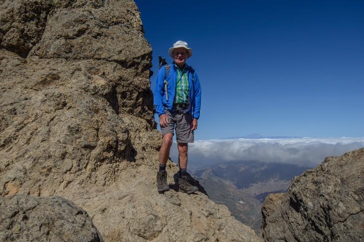 am Roque Nublo, dahinter der Teide