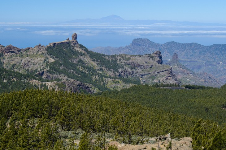 Teide between Roque Nublo and Roque Bentaiga